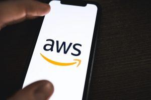 Amazon Web Services i Oktawave chmura w polskich centrach danych